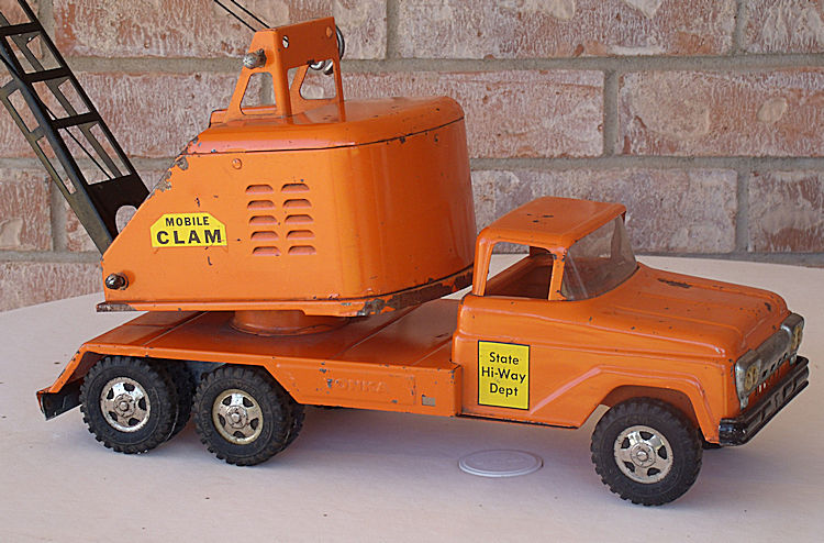 1961 Model 142 State Hi-Way Mobile Clam #073